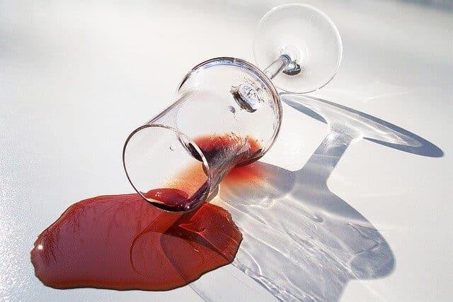 Tache vin rouge